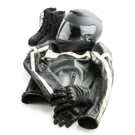 Les équipements moto : casque, blouson, gants, bottes