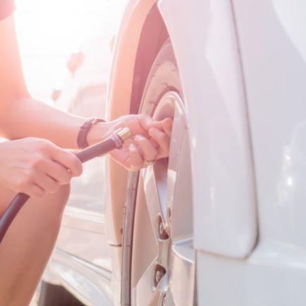Vérifier la pression des pneus